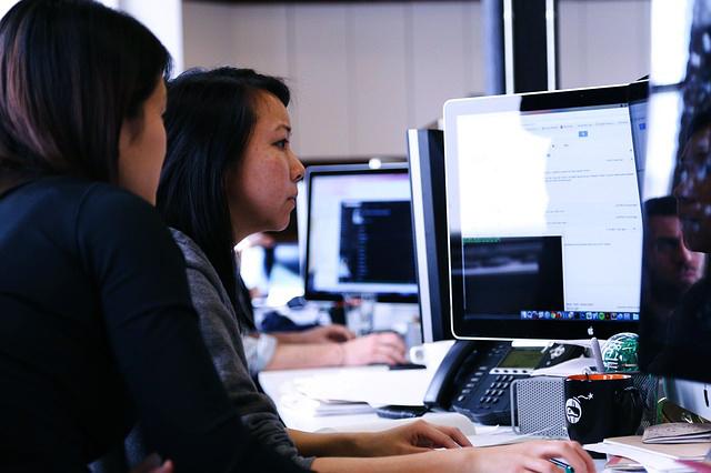 Fortbildungen im Bereich 'Digital': BITKOM-Studie verdeutlicht starke Diskrepanz
